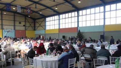 Πρωτοχρονιάτικο γεύμα αλληλεγγύης στο Κλειστό Γυμναστήριο του Ρουφ