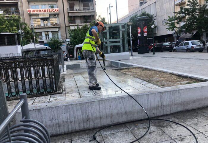 επιχείρηση καθαριότητας- πλατεία Βικτωρίας2