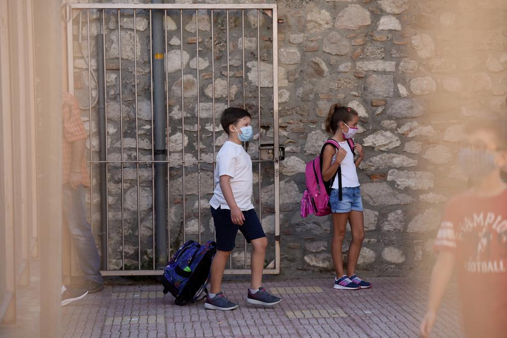 iMEdD Lab: Δείτε ποιά σχολεία βρίσκονται σε μερική ή ολική αναστολή στην  Αττική | ΑΘΗΝΑ 9,84