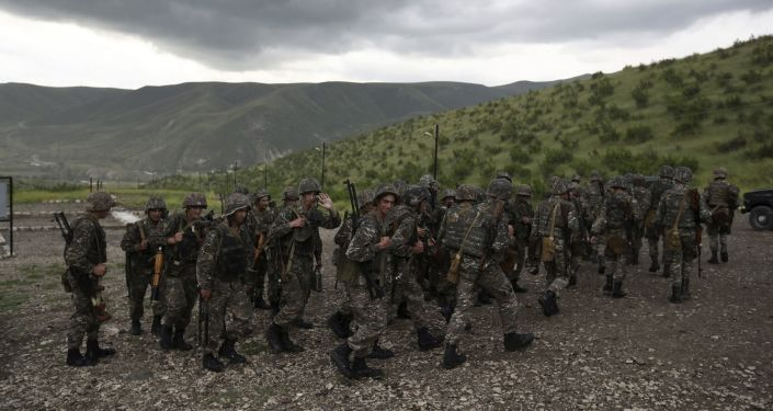 Aserbaidschan Armenien Berg Karabach Kundigt Kriegsrecht Und Allgemeine Mobilisierung An Athen 9 84
